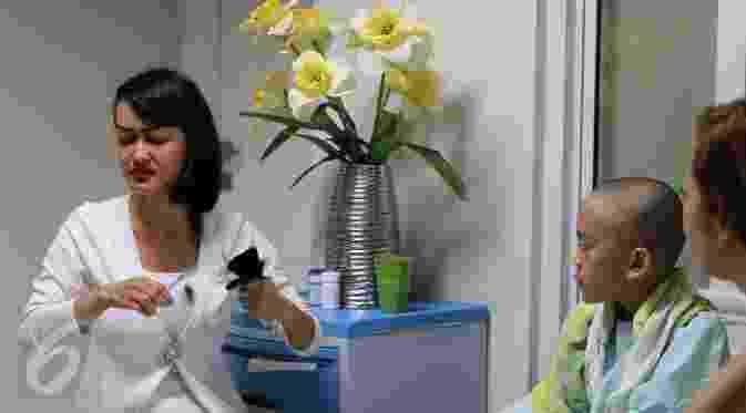 Ubah Penampilan Julia Perez Ikuti Gaya Rambut Rihanna Berita - Gaya rambut pendek jupe
