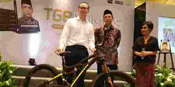 Sepeda Presiden Jokowi Laku Dilelang 1 M