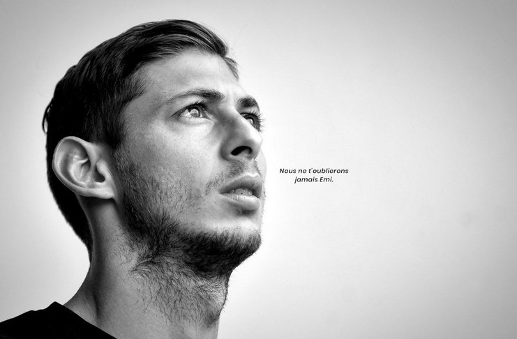 Dunia Sepakbola Berduka Sesudah Jenazah Emiliano Sala Berhasil Ditemukan