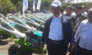 Bandung Barat Memperoleh Bantuan Alsintan Seribu Traktor